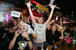 Pittsburgh Penguins bar fans